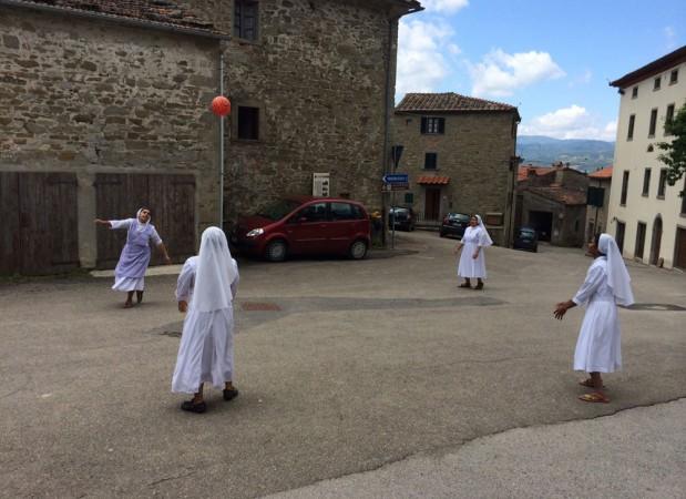 37L01-Nonnen