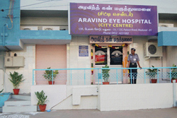 Aravind Eye Hospital: Blinden die Sehkraft zurückgeben
