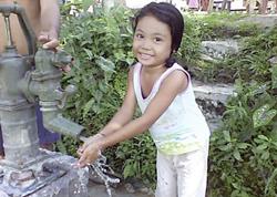 A Single Drop for Safe Water: Zugang zu sauberem Wasser eröffnen