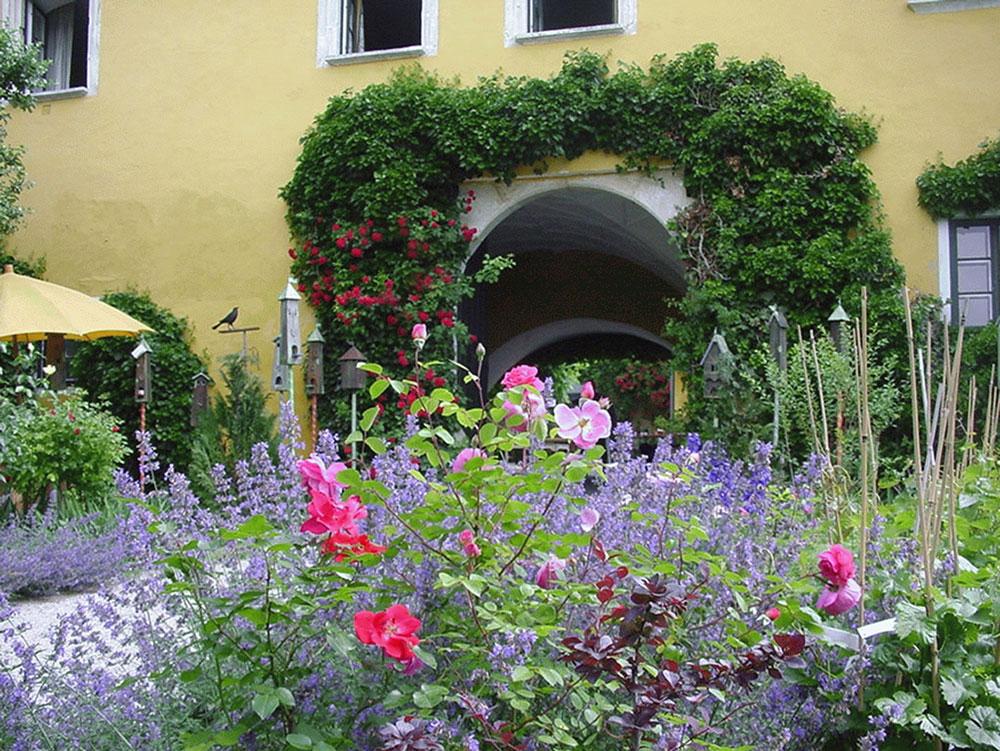 Riechen: Der Duft der Rose im Marienschlössl Wiedendorf