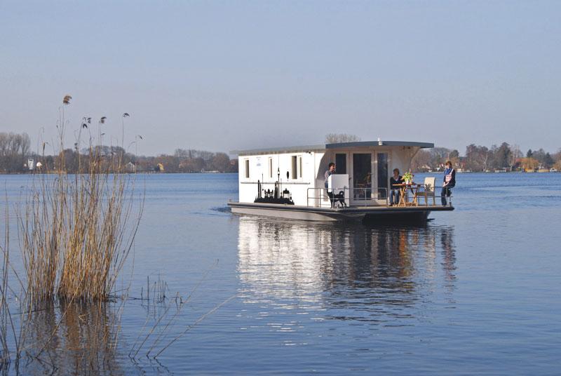 Müritz: Im Hausboot durch naturnahe Flusslandschaften