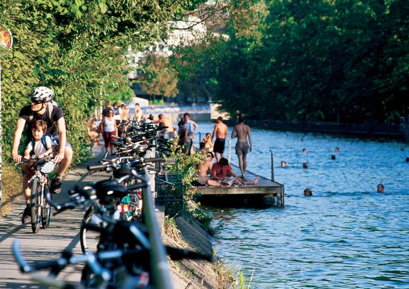 Limmat: Im Wasser mit Trinkwasserqualität durch Zürich schwimmen