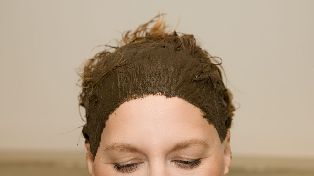 Haarefärben mit Pflanzenfarbe