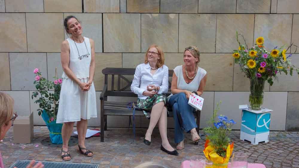 """""""Die verkaufte Mutter"""": Autorinnen-Party im Quell-Verlag"""