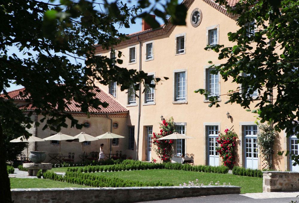 Reise-Tipp: vulkanische Heilerde-Therapie im Schloss Saint Roch