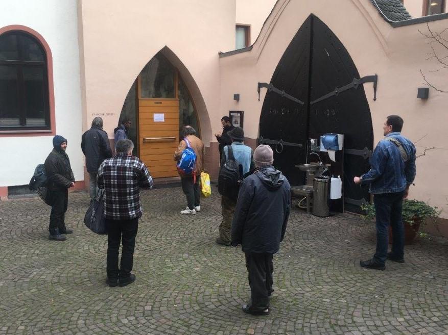 Franziskustreff Frankfurt: Offene Tür trotz Corona