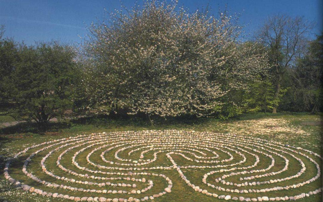 Labyrinthe – Wege zur Mitte und zurück